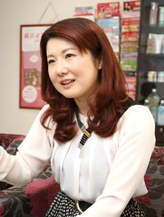 慶應義塾大学大学院経営管理研究科前期博士課程修了、経営学修士(MBA)。96年ジャパンライフに入社。経営企画等を経て2007年社長に就任。